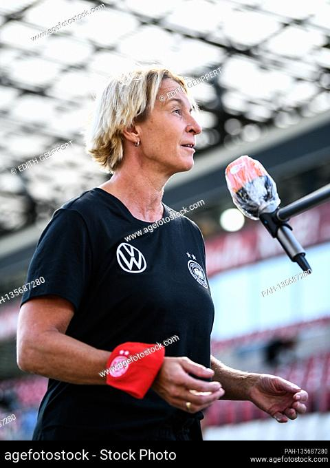 coach Martina Voss-Tecklenburg (DEU) in an interview before the game. GES / Football / EM Qualification Women: Germany - Ireland, 19.09