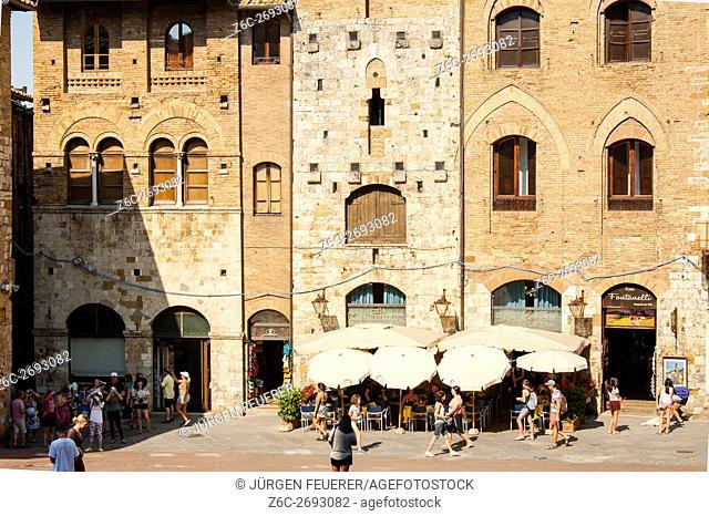 Piazza Duomo in San Gimignano, Tuscany, Italy