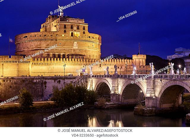 Castel Sant angelo and Bernini's statues on the Sant Angelo bridge