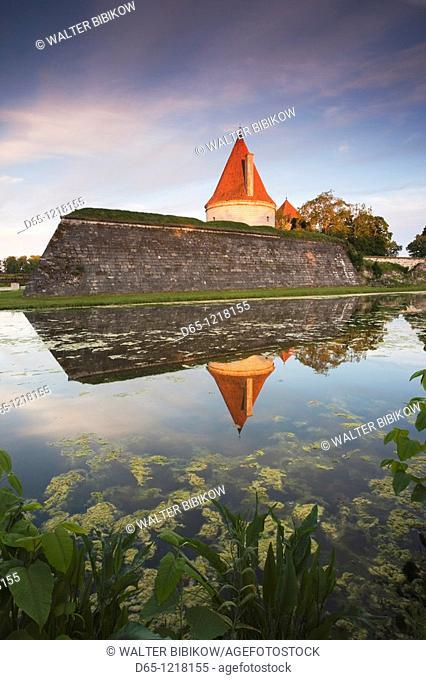 Estonia, Western Estonia Islands, Saaremaa Island, Kuressaare, Kuressaare Castle, sunset
