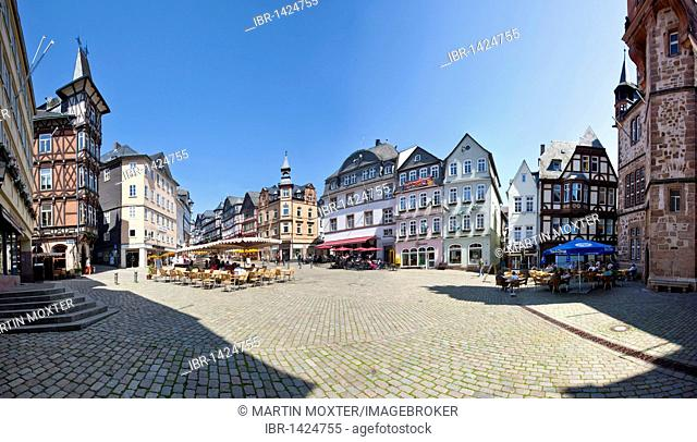 Marketplace with restaurants, town hall on the right, old town of Marburg, Hesse, Germany, Europe