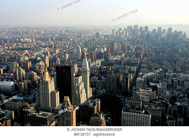 USA, United States of America, New York City: View of midtown Manhattan to downtown, from the Empire State Building
