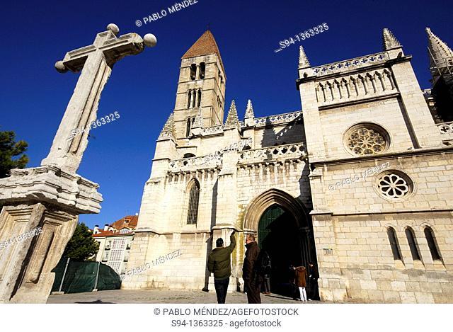 Church of Santa Maria la Antigua in Valladolid city, Spain