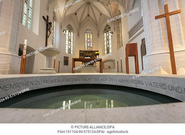 24 October 2019, Saxony-Anhalt, Eisleben: 23.10.2019, Saxony-Anhalt, Eisleben: The late gothic hall church St. Petri and Pauli in Eisleben