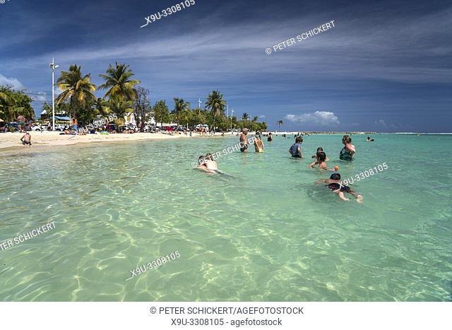 Am Strand von Sainte-Anne, Guadeloupe, Frankreich |