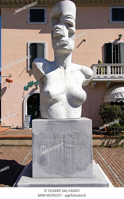 europe, italy, toscana, pietrasanta, sculpture of igor mitoraj