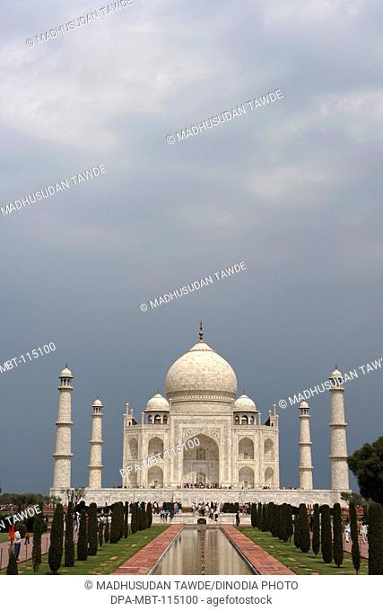 Taj Mahal Seventh Wonders of World on the south bank of Yamuna river , Agra , Uttar Pradesh , India UNESCO World Heritage Site
