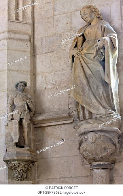 STATUE OF SAINT RADEGUND, QUEEN OF THE FRANKS AND ABBESS IN THE 15TH CENTURY HOLY CHAPEL AT THE CHATEAU DE CHATEAUDUN, EURE-ET-LOIR 28, FRANCE
