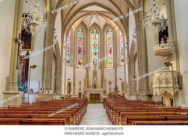 France, Dordogne , Perigord Noir, Terrasson Lavilledieu, church