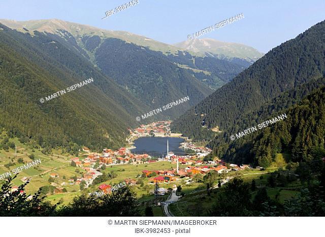 Lake Uzungöl, village of Uzungöl, Trabzon Province, Pontic Mountains or Kaçkar Daglari, Black Sea Region, Turkey