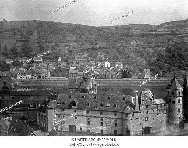 Die Burg von der Leyen über Gondorf an der Mosel, Deutschland 1930er Jahre. Burg von der Leyen castle aboce Gondorf on river Moselle, Germany 1930s
