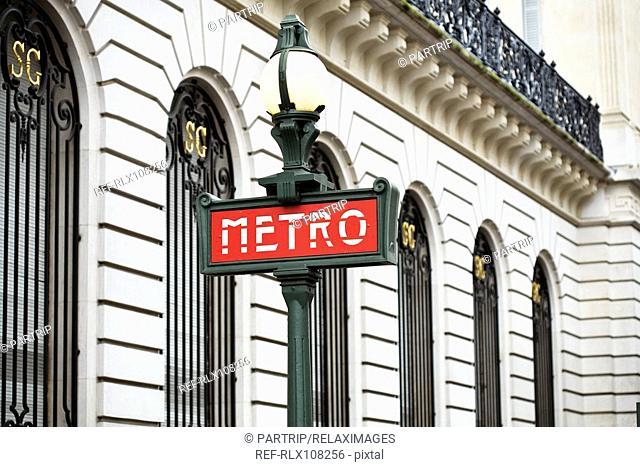 Metro sign, Place de la Concorde, Paris, France