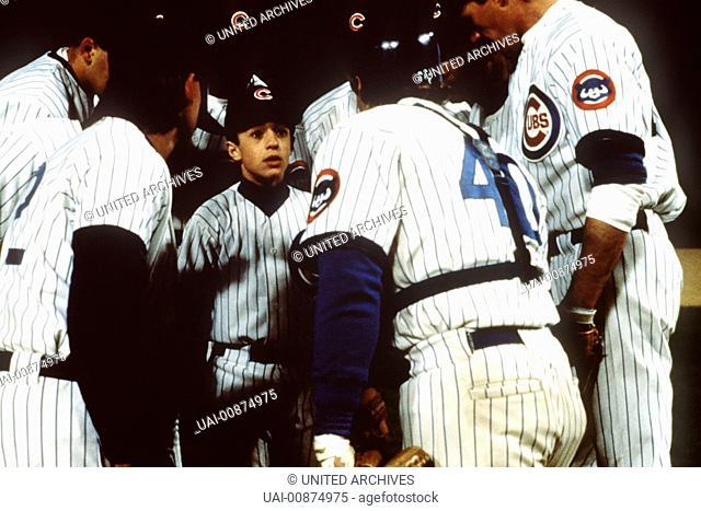 Der Durchstarter - Als er nach Wochen vom Gips seines gebrochenen Armes befreit wird, startet der 12jährige Henry (THOMAS IAN NICHOLAS) zum Baseballwunder durch...