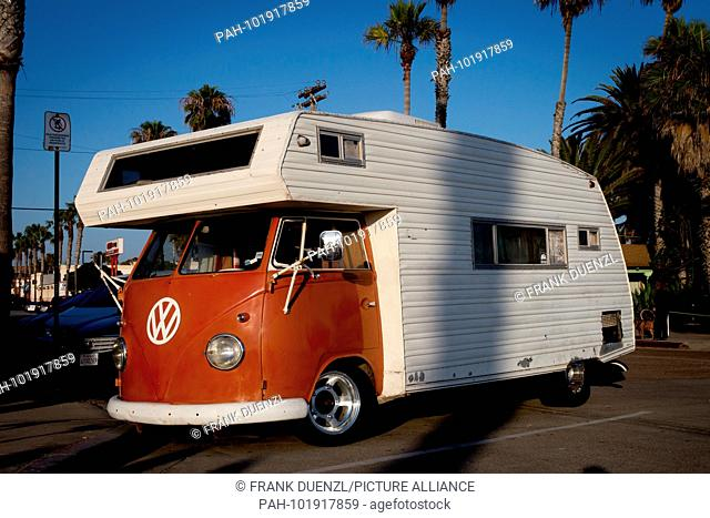 VINTAGE VW BUS RV CONVERSION (6/16/2015) - Newsworthy Images at age