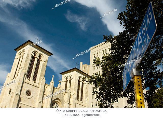 TEXAS San Antonio. San Fernando Cathedral, Gothic Revival architectural style, Plaza de las Islas sign
