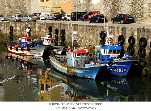 Fisherboats at Malpica de Bergantiños harbor, A Coruña, Galicia, Spain