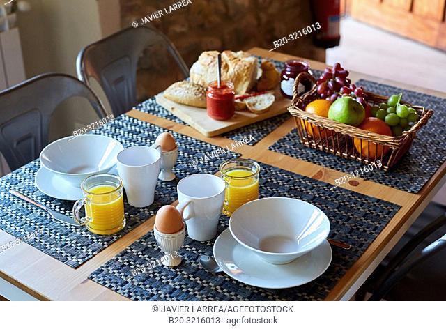 breakfast, Basque farmhouse, Deba, Gipuzkoa, Basque Country, Spain, Europe