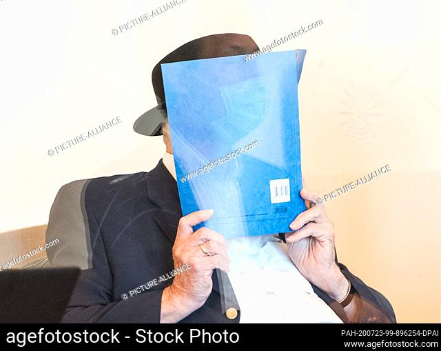dpatop - 23 July 2020, Hamburg: A 93-year-old former SS guard from the Stutthof concentration camp near Danzig sits in a courtroom behind a Plexiglas screen in...