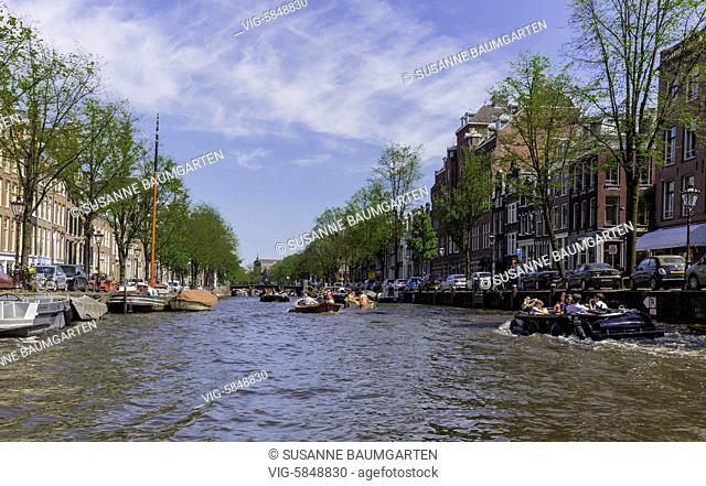 Amsterdam, Prinsengracht, tour boats - AMSTERDAM, Netherlands, 27/05/2017