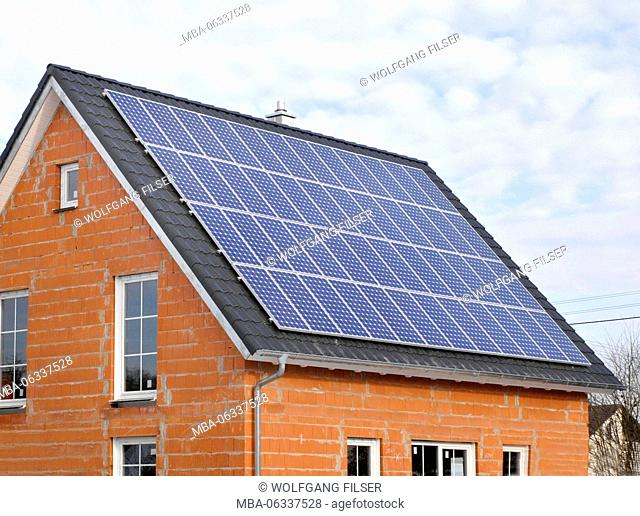 House roof with solar cells