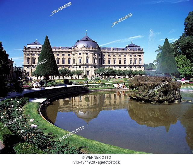 D-Wuerzburg, Main, Unterfranken, Bayern, Romantische Strasse, Residenz, Hofgarten, Parkanlage, Schlosspark, Barock, Baumeister Balthasar Neumann, Brunnenanlage