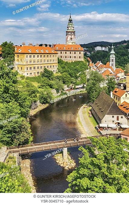 View of the old town of Cesky Krumlov, the Castle Cesky Krumlov, St. Jost church and the River Vltava in Bohemia, Jihocesky Kraj, Czech Republic, Europe