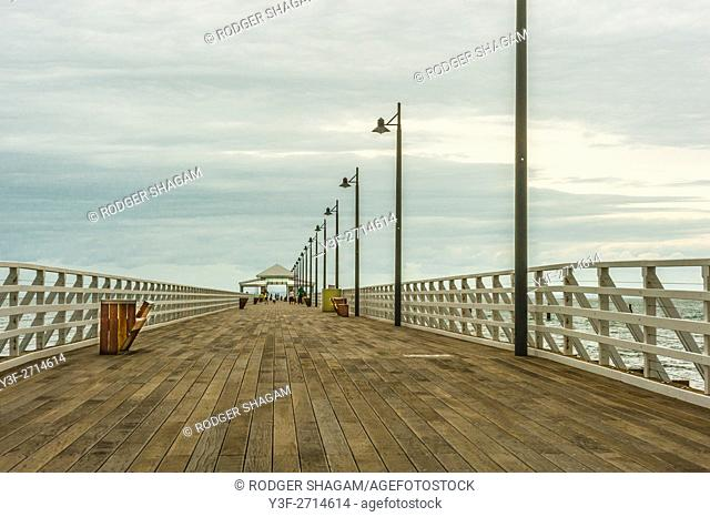 Shorncliffe pier. Boardwalk. Straight out to sea