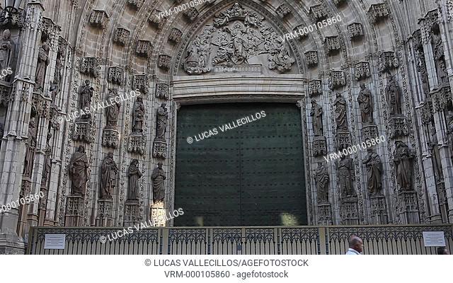 La Constitución Ave. Facade of cathedral. Seville, Andalusia, Spain