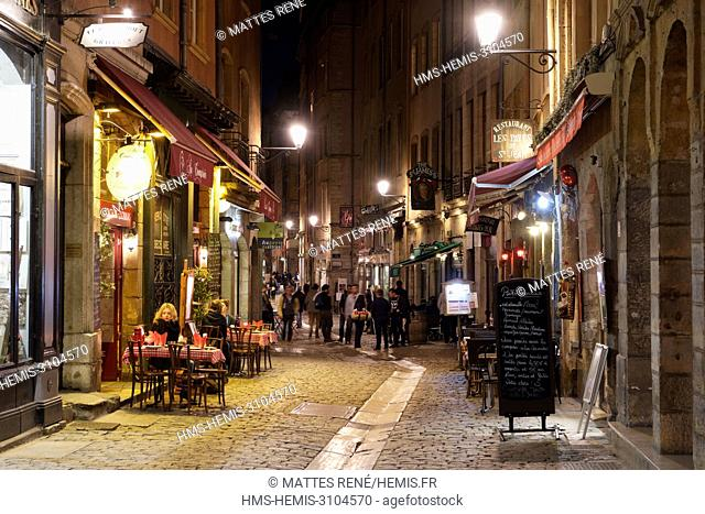France, Rhone, Lyon, historical site listed as World Heritage by UNESCO, Vieux Lyon (Old Town), St Jean district, rue Saint Jean