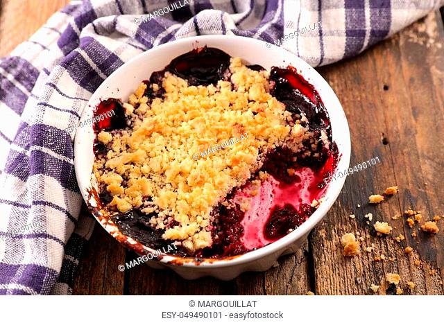 delicious blueberry crumble
