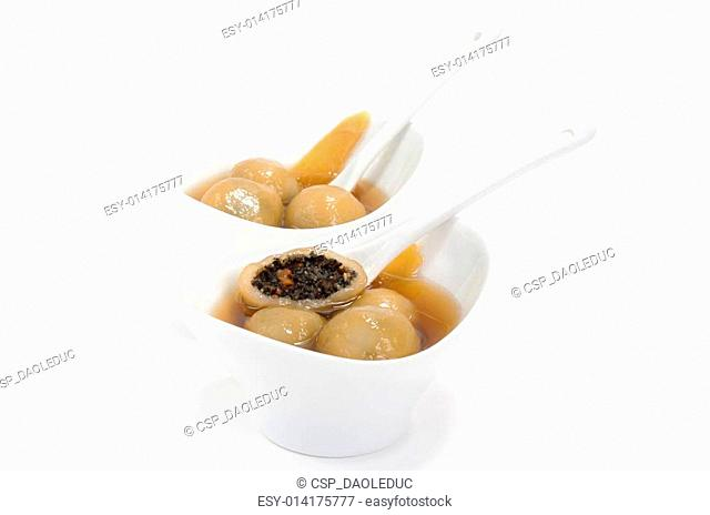 Vietnamese glutinous rice balls dessert