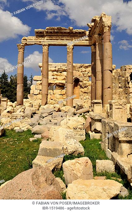 Roman temple ruins, Baalbek, Beqaa Valley, Lebanon, Middle East, Orient