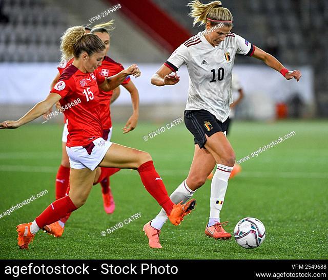Switzerland's Luana Buhler and Belgium's Justine Vanhaevermaet fight for the ball during a soccer game between Switzerland and Belgium's Red Flames