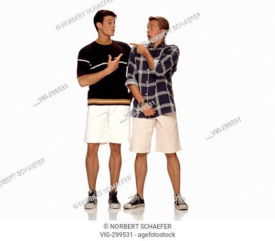 Two wondering men. - 09/07/2006