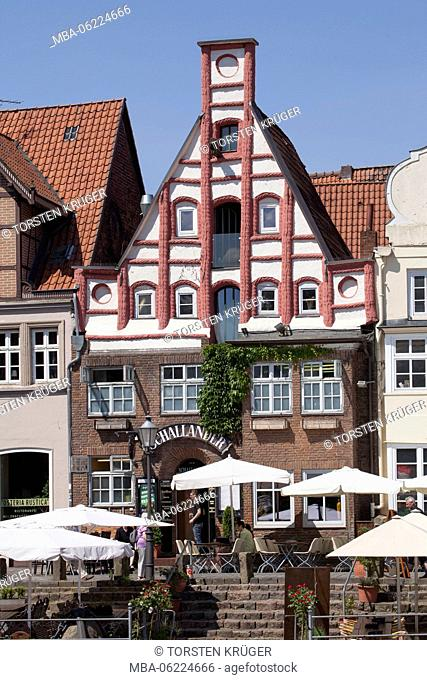 Historic house facade at 'Stintmarkt', River Ilmenau , Old Town, Lüneburg, Lower Saxony, Germany, Europe