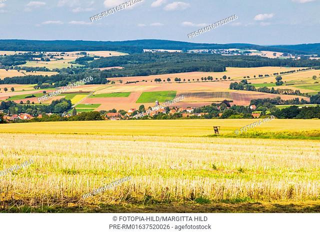 Looking at Scheden with St. Markus church, Oberscheden, Scheden, Samtgemeinde Dransfeld, Landkreis Göttingen, Niedersachsen, Germany