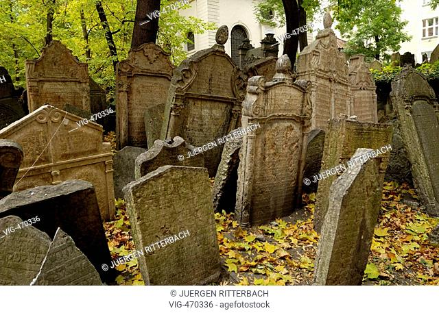 Prague, gravestones on Judaic Cemetery - PRAG, TSCHECHIEN, 01/10/2006