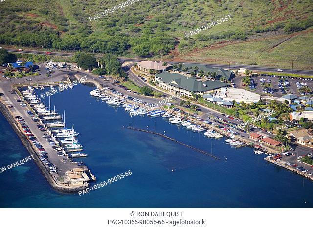 Hawaii, Maui, Maalaea Harbor, Maui Ocean Center and shops