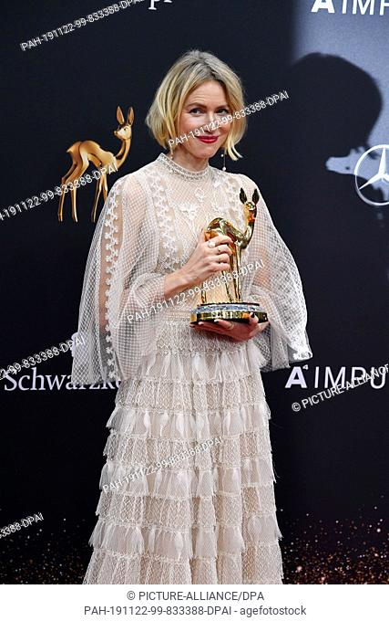 21 November 2019, Baden-W¸rttemberg, Baden-Baden: After the 71st Bambi Awards in the Festspielhaus, Naomi Watts presents the prize in the category...