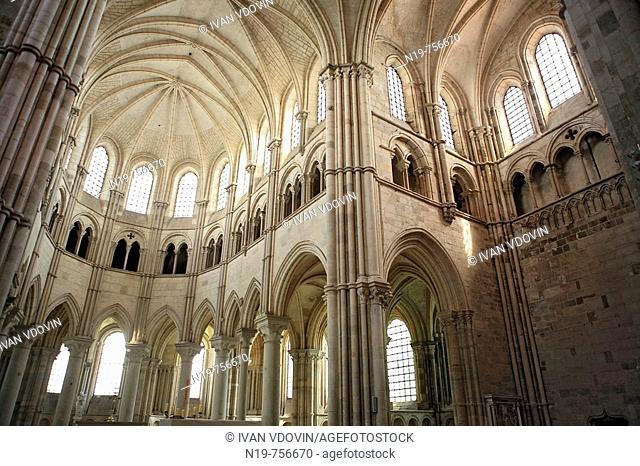 Interior of Sainte-Foy abbey church (c. 1124), Conques, France