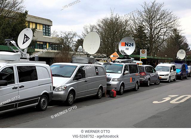 Germany, HALTERN AM SEE, 26.03.2015, TV-Uebertragungswagen vor der Schule, Trauer um 16 Schueler und 2 Lehrerinnen vom Joseph-Koenig-Gymnasium in Haltern am See...