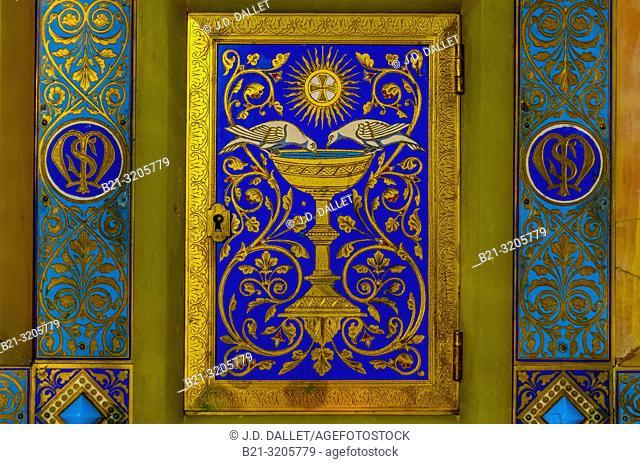 France, Pays de Loire, Mayenne, Basilic Our Lady of Prayer at Pontmain: Tabernacle of the Saint Michel chapel