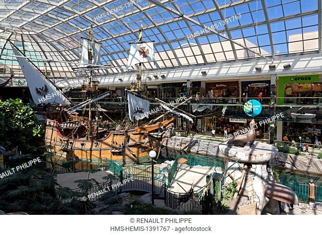 Canada, Alberta, Edmonton, West Edmonton Mall, the largest shopping mall in Canada, Deep Sea adventure