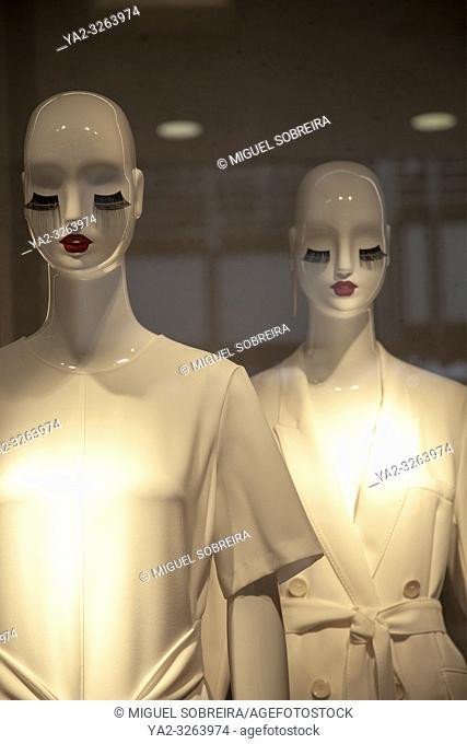 Fashion mannequins Shop Window