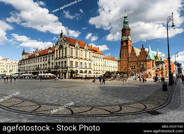 Europe, Poland, Lower Silesia, Wroclaw / Breslau - Market Square - town hall