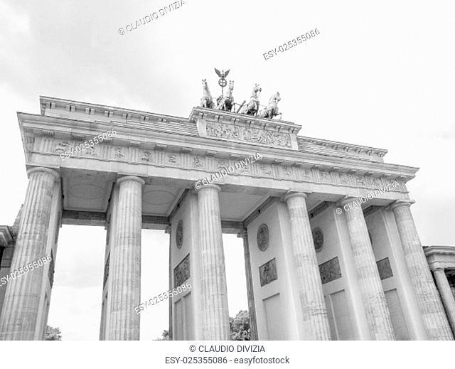 Brandenburger Tor Brandenburg Gate famous landmark in Berlin Germany in black and white
