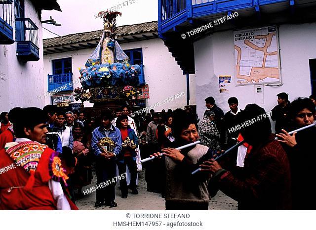 Peru, Ancash Department, Yukay, the procession for the festivity of Nuestra Señora del Rosario