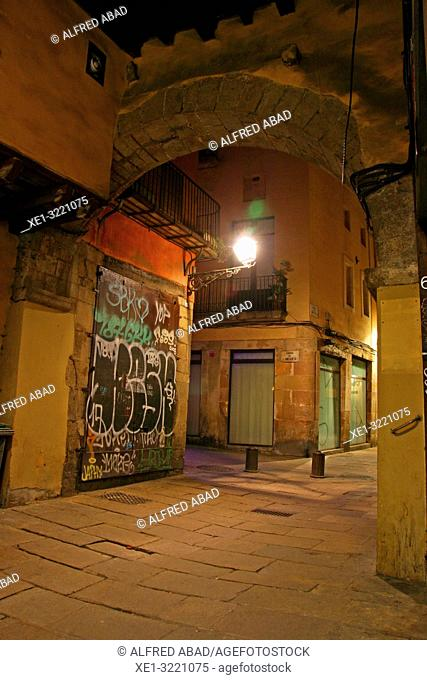 Lamppost and arcade at night, El Born district, Barcelona, Catalonia, Spain