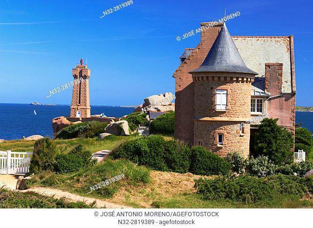 Ploumanach, Ploumanac'h, Mean Ruz Lighthouse, Phare de Mean Ruz, Sunset, Pink granite coast, Cote de Granit Rose, Cotes d'Armor, Côtes-d'Armor