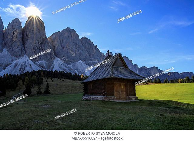 The green Glatsch Alm with Odle in background Funes Valley South Tyrol Dolomites Trentino Alto Adige Italy Europe